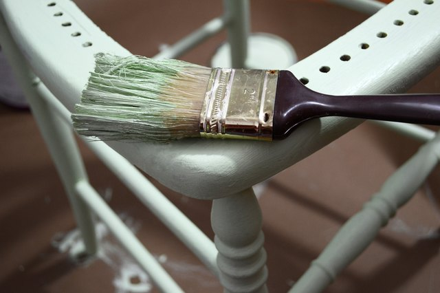 how to make white paint look distressed