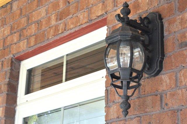 Best Methods For Cleaning Lighting Fixtures: How To Clean Outdoor Lights