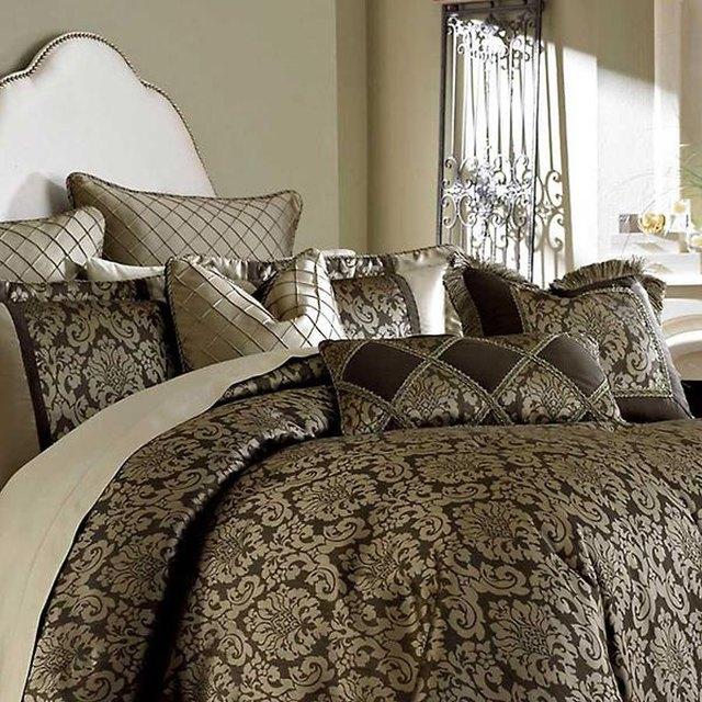 damask print bedding