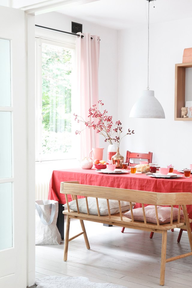 pink and red dining room