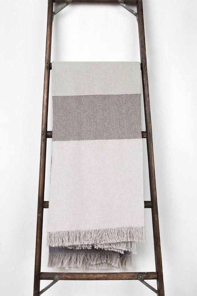 DIY wooden blanket ladder