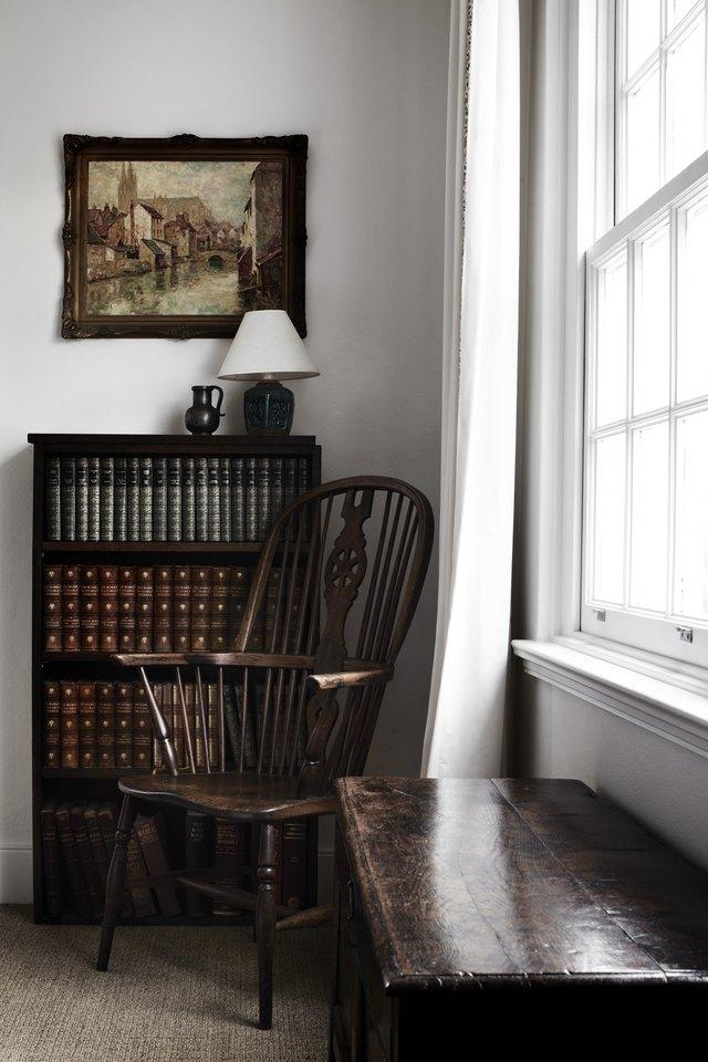 English cottage bookshelf