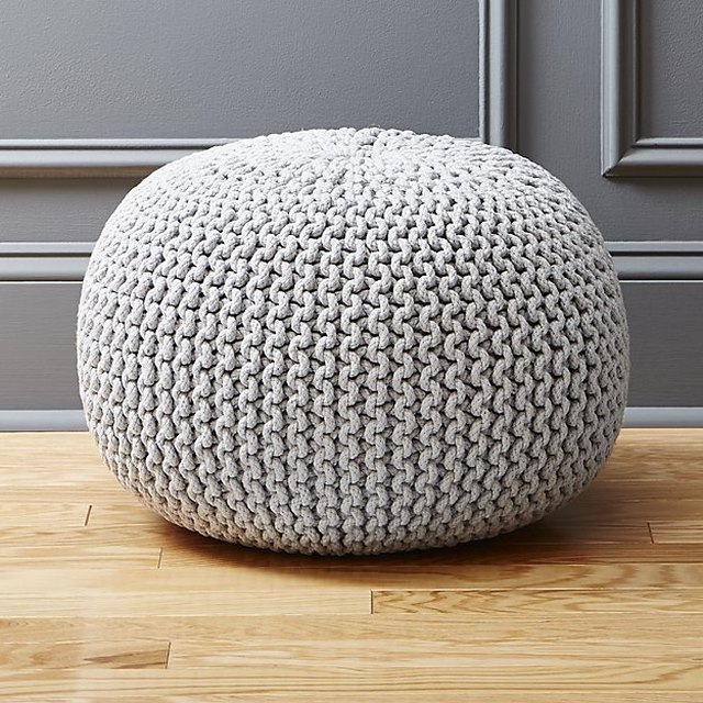 Knitted gray pouf