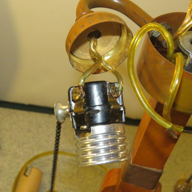 Wiring A 2 Bulb Lamp