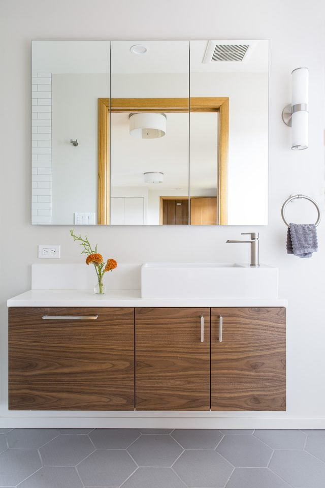 midcentury bathroom