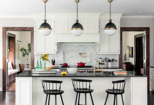 trio of pendant ceiling lights kitchen