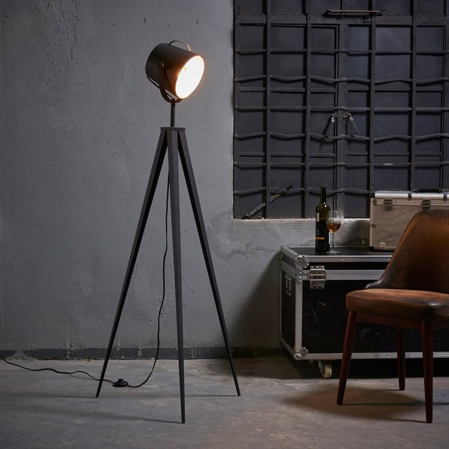Tripod Lamp Target