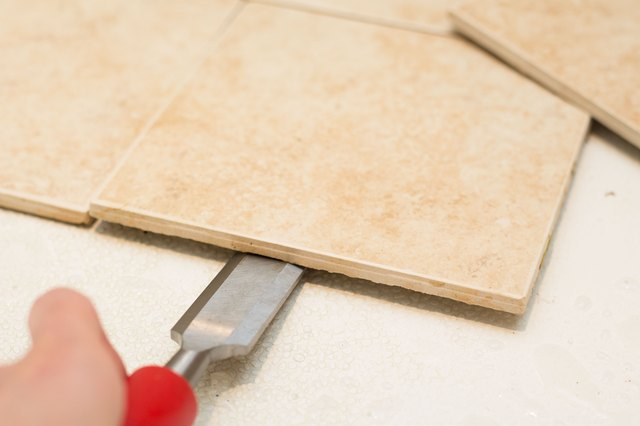 How To Remove Ceramic Floor Tile Without Breaking It Hunker