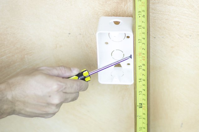 How to Wire Electrical Outlets in Series | Hunker