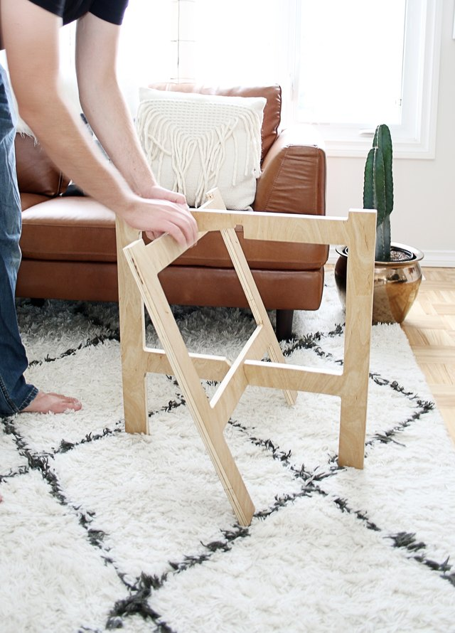 putting the table legs together