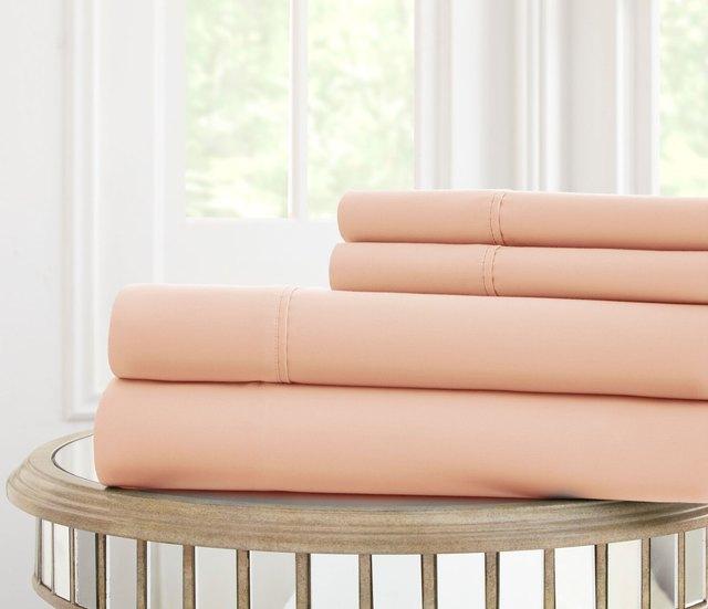 Pale peach sheet set