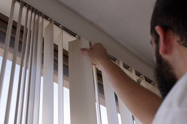 How To Replace Vertical Blind Clips Hunker