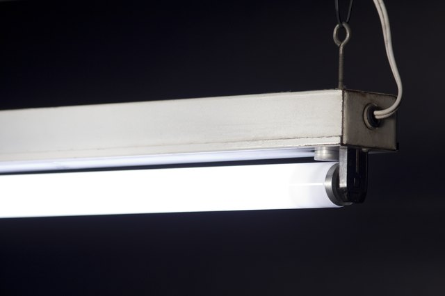 How to Replace the Starter for a Fluorescent Light | Hunker