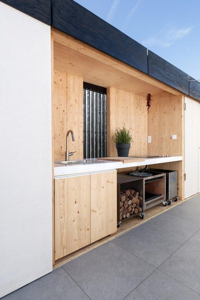 minimal outdoor kitchen exposed