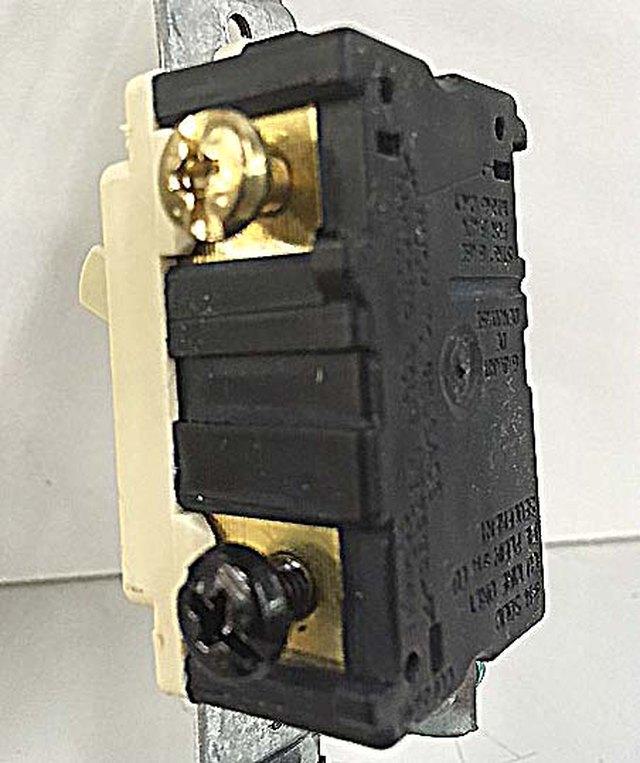 Three Pole Switch Vs. Single Pole Switch   Hunker