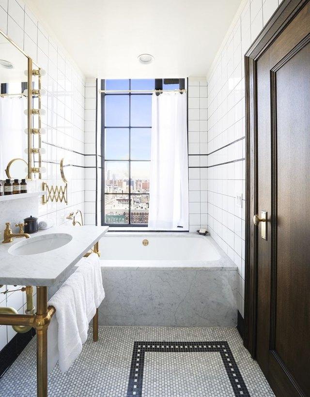 Ludlow Hotel bathroom
