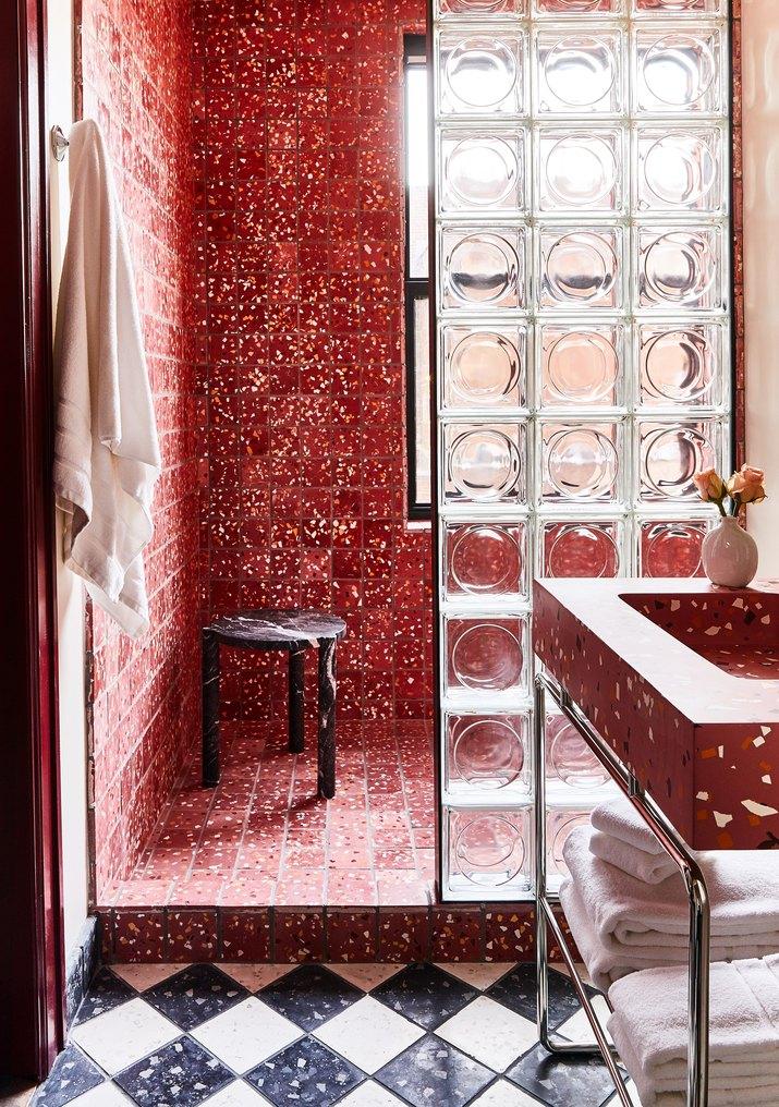 siren hotel detroit bath