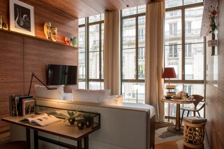 brach hotel paris guest room