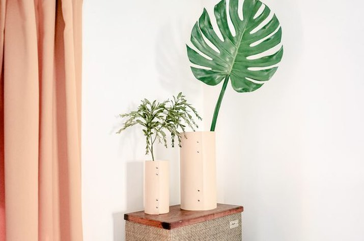 This DIY leather vase does not look homemade