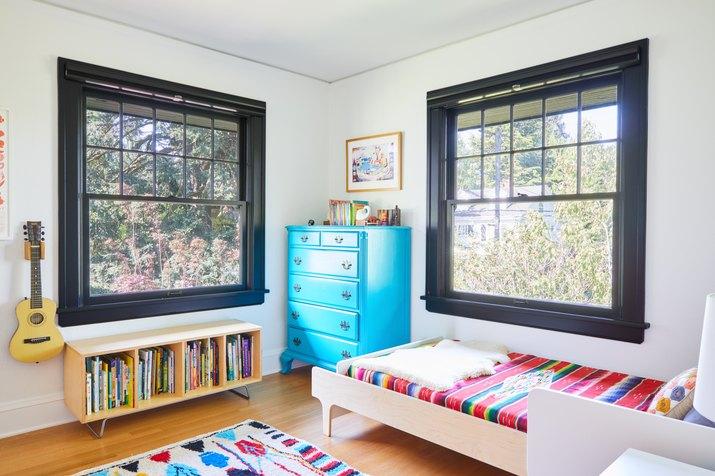 kid's room with black trim