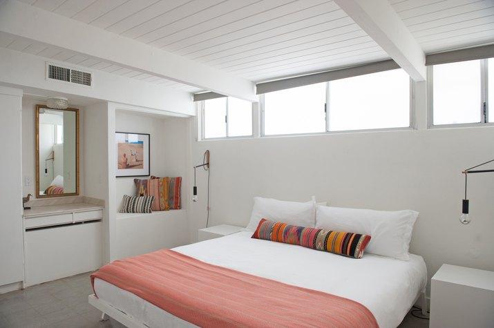 amado bedroom