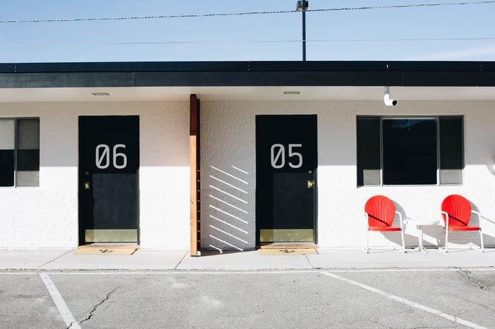 exterior of Amigo Motor Lodge