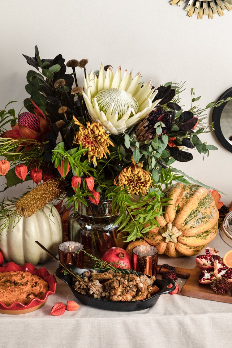 Thanksgiving buffet with florals