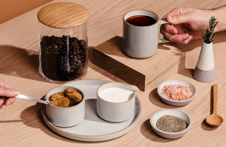 Dishware with spices