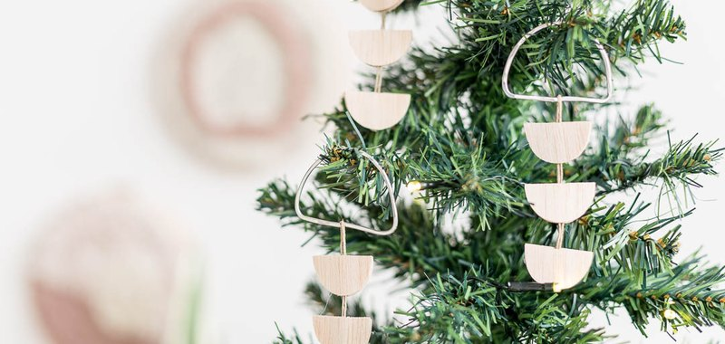 Minimal Tree Decorations