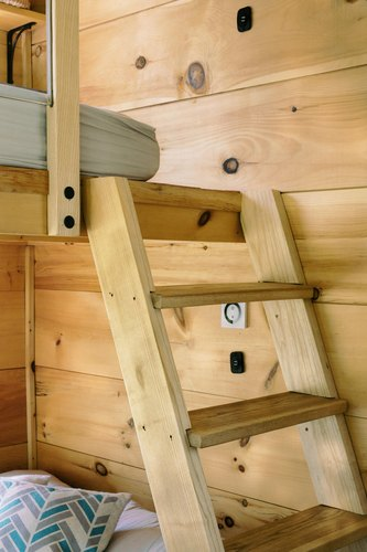 Cabinscape ladder to loft bed