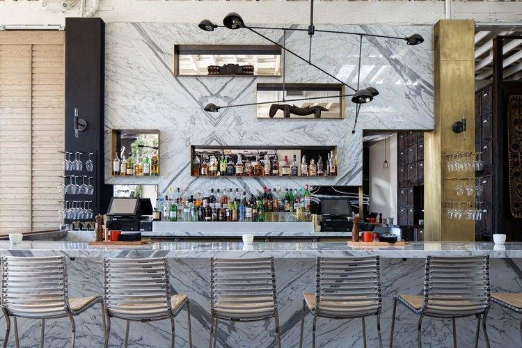 Norah bar.
